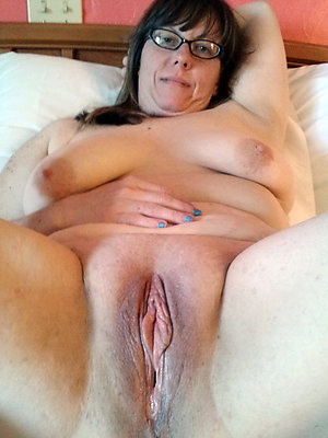 Mature shaven pussy